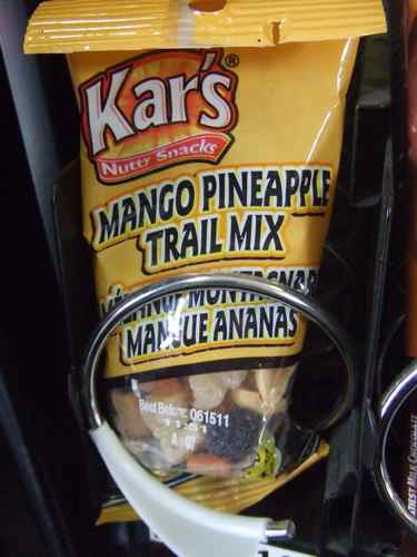 trail mix healthy snacking